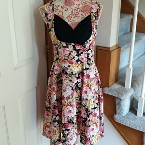 nice preowned ladies dress Bofflyyang. Large